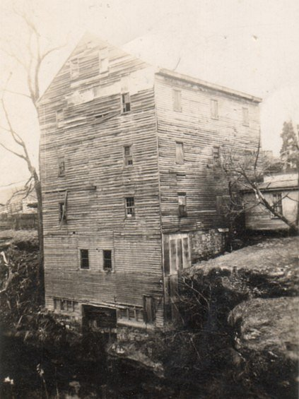 Rock Mill, Fairfield Co., Ohio, April 1940.  Photo courtesy of graveaddiction.com
